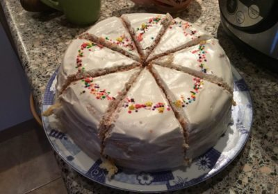 8a672a3a37bbeb Я одразу взялася за рецепт і приготування торта. І знаєте, це виявився  простий рецепт смачного домашнього тортика зі сметанним ...